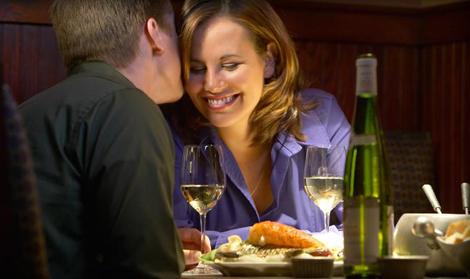 Due persone al ristorante