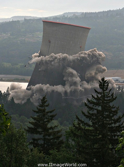 Implosione reattore nucleare