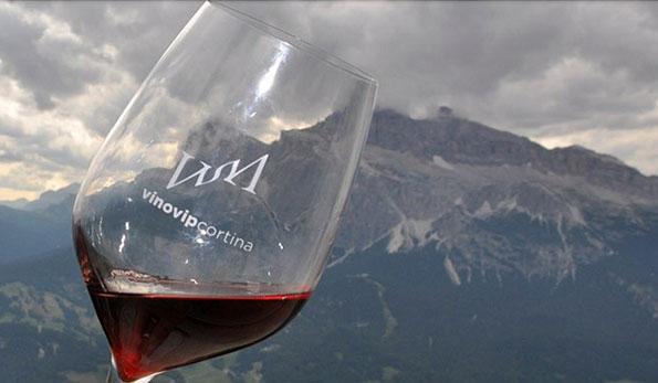 L'inimitabile scenario delle Dolomiti per l'11° VinoVip di Cortina d'Ampezzo