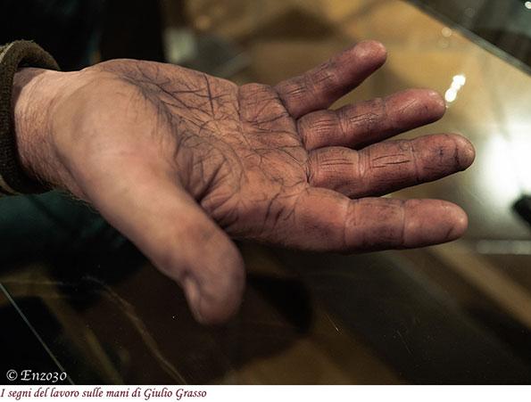 La mano di Giulio Grasso