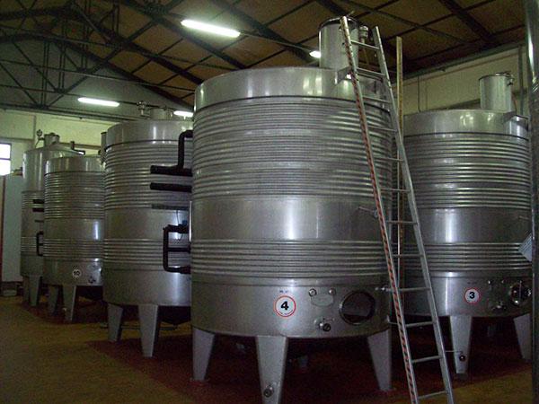 La Monacesca - Vasche d'acciaio