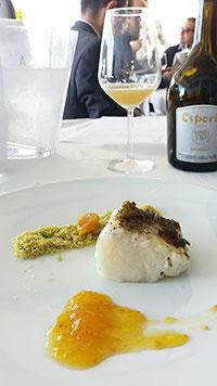 Baccalà con chutney di pomodorino giallo Giagiù e crumble di menta e limone