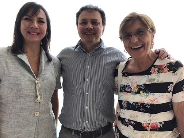 Rita Abagnale con Carmen Guerriero e Gaetano Pascale, presidente Slow Food Italia