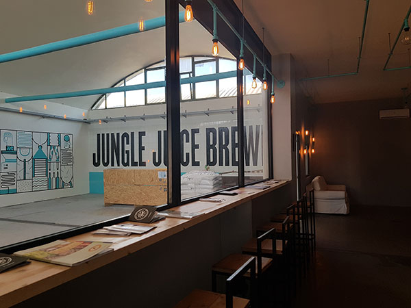 La tap room di Jungle Juice Brewing