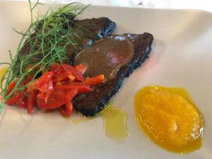 Brasato con salsa al Sangiovese, con peperoni arrosto al profumo di menta fresca