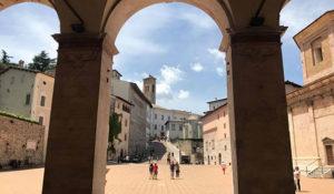 dal colonnato del Duomo di Spoleto