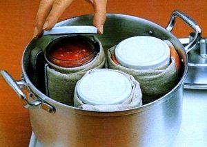preparazione conserve di pomodoro