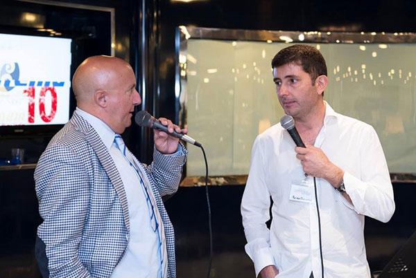 Lo chef Pietro D'Agostino del Ristorante La Capinera di Taormina e il giornalista Vincenzo D'Antonio durante il Congresso a bordo della Tirrenia