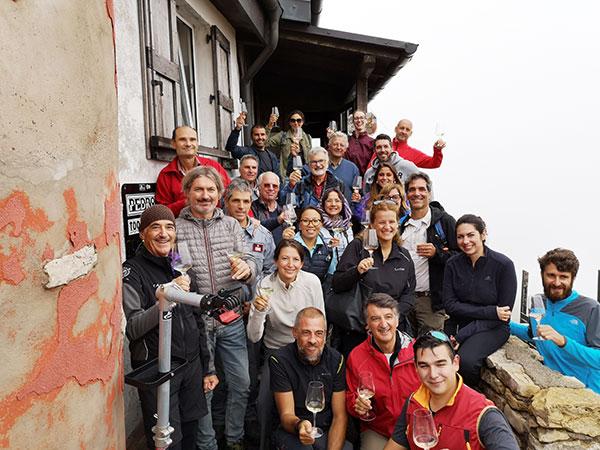 Foto di gruppo al Rifugio Chierego