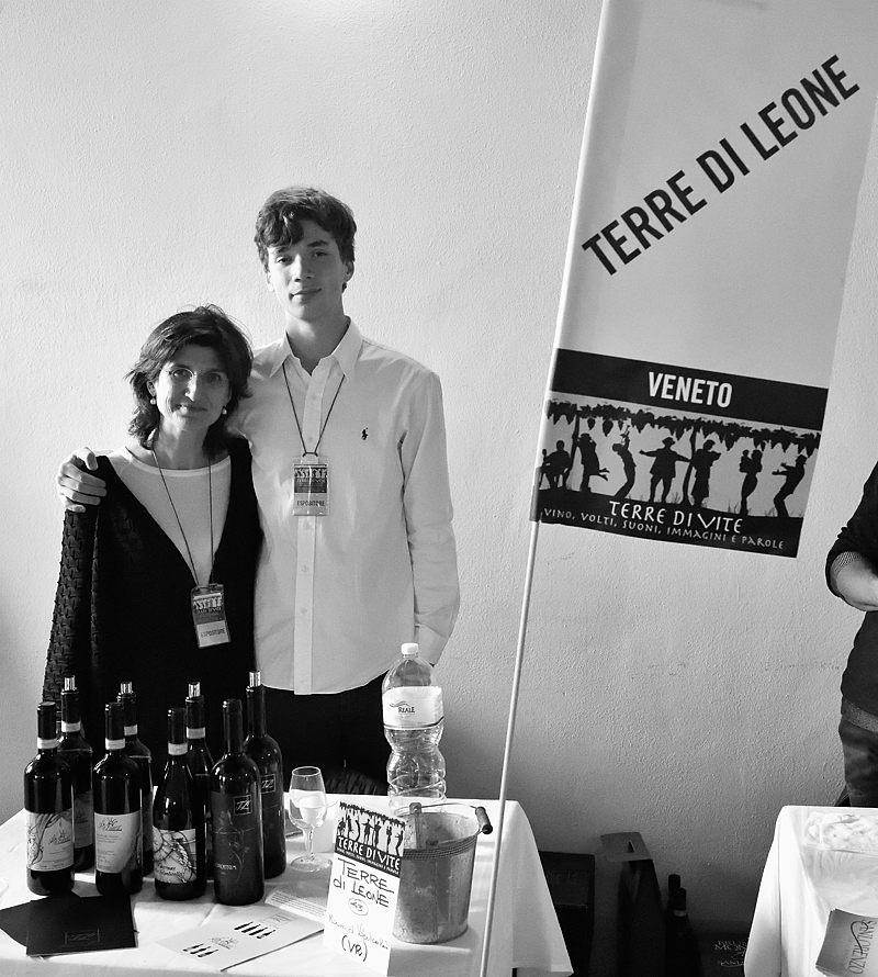 Chiara Turati con il figlio (Terre di Leone)
