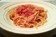 Spaghetti alla Bolognese? Sono con il tonno, non con il ragù!