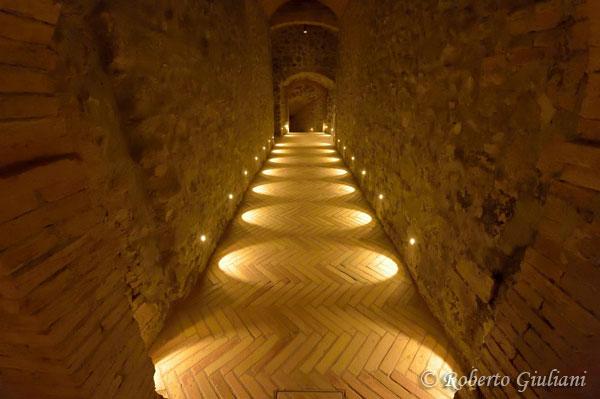 Il corridoio che porta alla cantina