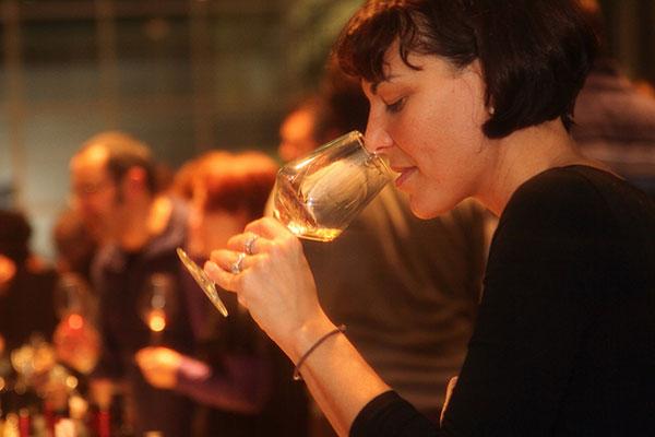 degustatrice orange wine