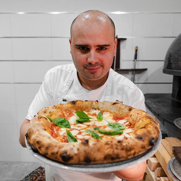 Giuseppe Bove e la sua pizza margherita
