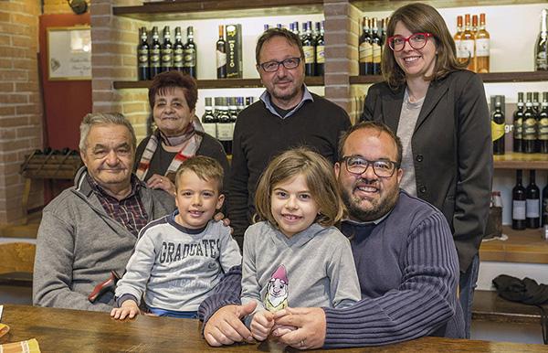 Luigi Drocco (a sinistra) con tutta la famiglia