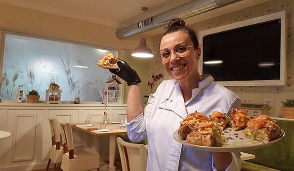 Amalia Costantini, Pizza Mater