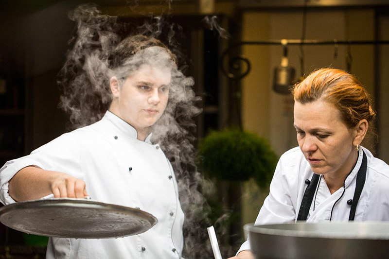 Francesco e Janna in cucina